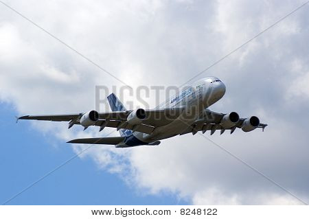 Farnborough Airshow 2010 - Airbus A380 In Flight 2