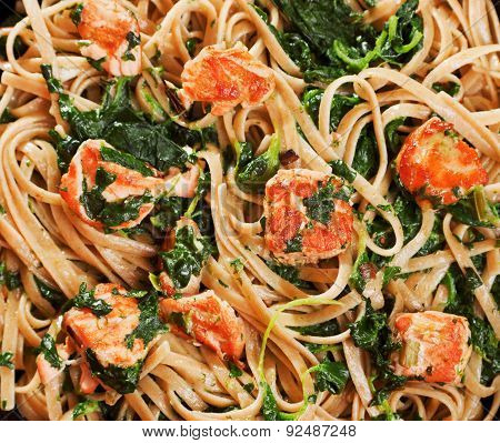Pasta Collection - Fettuccine With Salmon And Spinach
