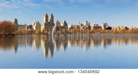 Central Park and Manhattan- Jacqueline Kennedy Onassis Reservoir. New York City.
