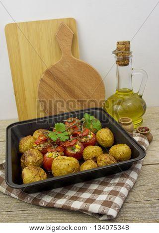 Balsamic Roasted Potatoes & Tomatoe. Eco vegetables.