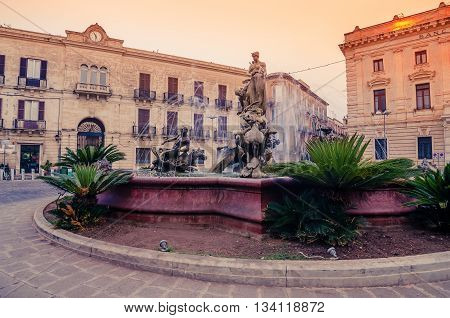 Syracuse, Sicily, Italy: beautiful Archimede Square in the sunrise