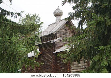 Russian village, wooden architecture, Church of St. Nicholas from the village Myakishevo khvoynensky district of 1642 buildings.