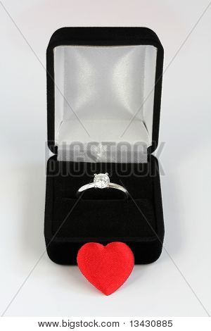 Diamond Engagement Ring With Case And Heart