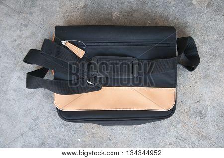 new shoulder or messenger bag with strap