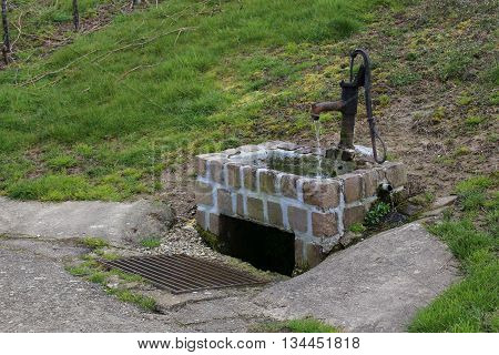 Water Well To Be Operated By A Lever