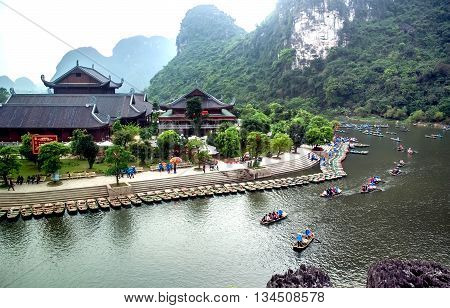 Ninh Binh, Vietnam, May 14, 2016 a boat tour, go on stream Trang An, Ninh Binh. This is, the world natural heritage recognized