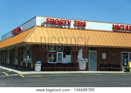 SHOREWOOD, ILLINOIS / UNITED STATES - AUGUST 21, 2015: Frosty Tips offers soft-serve ice cream, shakes and sundaes, in a Shorewood strip mall.