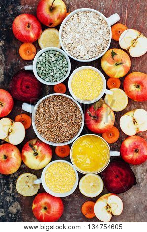 Apples, Carrots, Beet, Cabbage, Grapefruit, Lemon Sliced Above R