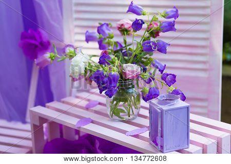 Tender summer decor for a garden party