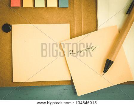 Reminder paper for business worker, Vintage style
