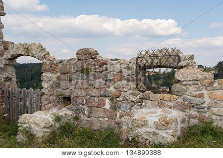 Cultural monument castle ruins Waxenberg - Austria