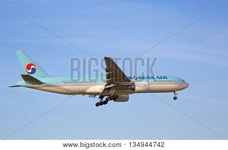 ZURICH - JULY 18: Boeing-777 Korean Air landing in Zurich after intercontinentall flight on July 18, 2015 in Zurich, Switzerland. Zurich airport is home for Swiss Air and one of biggest european hubs.