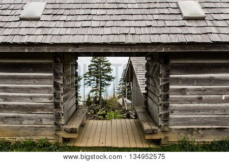 Mount LeConte Village Restroom with a lookout on the mountains below