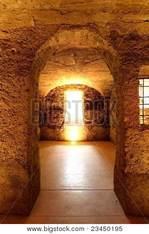 Alte Höhle in historischen Gebäude