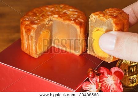 Mooncake Piece