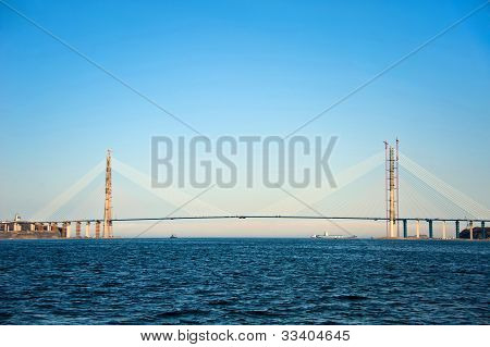 bridge to Russian Island