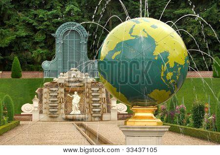 Paleis Het Loo Gardens In Apeldoorn Holland