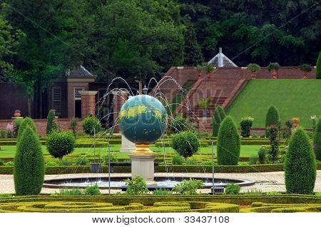 Paleis Het Loo Gardens In Apeldoorn, Netherlands