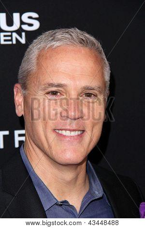 LOS ANGELES - MAR 18:  Phil Austin arrives at