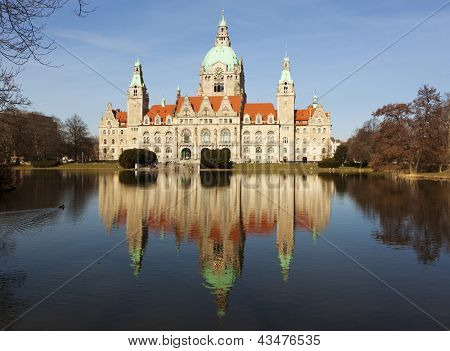 Town Hall of Hannover reflected in Maschteich pond