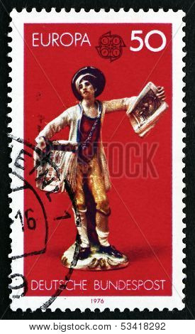 Postage Stamp Germany 1976 Boy Selling Copperplate Prints
