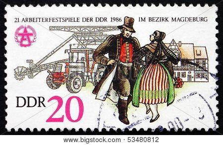 Postage Stamp Gdr 1986 Couple In Folk Dress