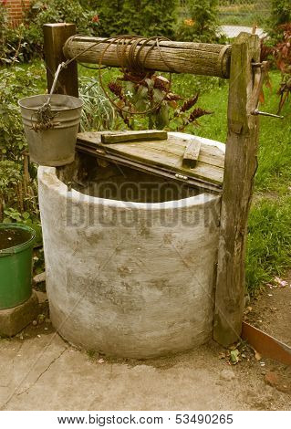Old Rotten Water Well, Rural Scenery