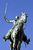 picture of reining  - Statue of General Marquis de Lafayette in Cours la Reine Paris - JPG