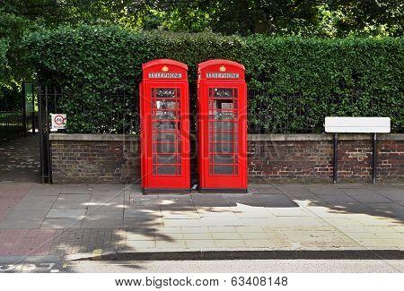 British Phoneboots