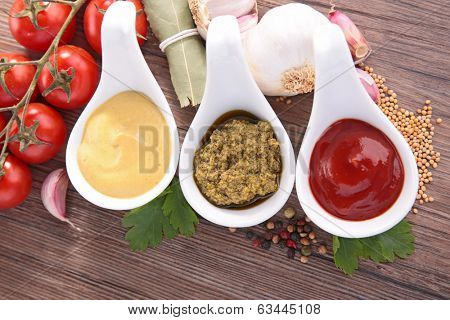 condiment, mayonnaise,pesto and ketchup sauce
