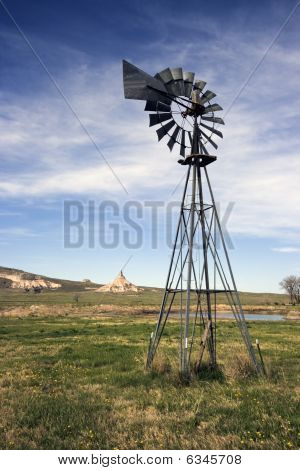 Artesian Well And Chimney Rock