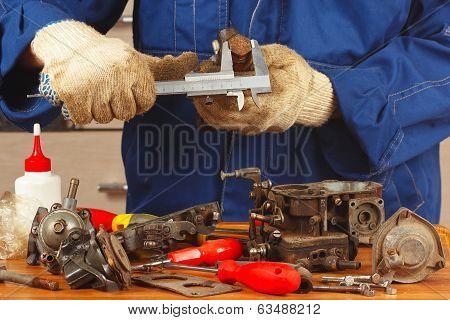 Repair of old parts car engine