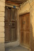 picture of iranian  - Two old wooden doors - JPG