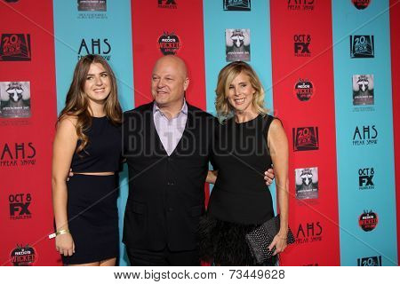 LOS ANGELES - OCT 5:  Michael Chiklis at the