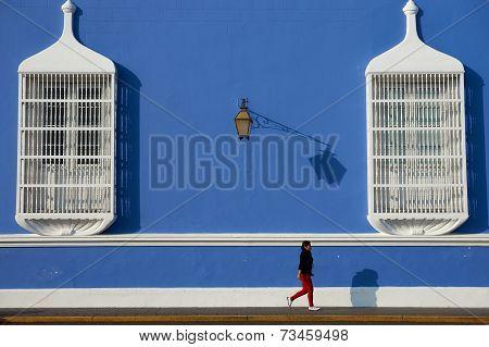 Walking in Trujillo
