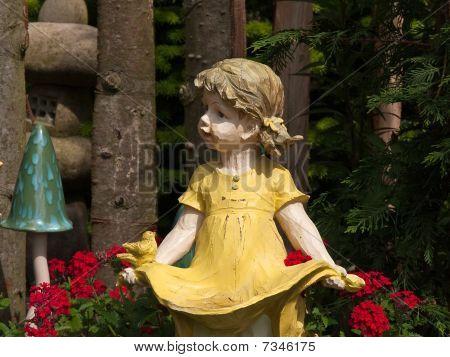 Garden Gnome Dwarf Statue