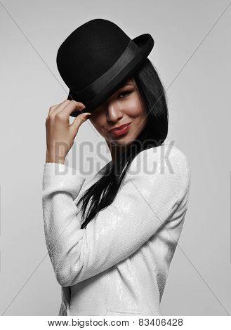 Beauty Elegant Woman Wearing Hat