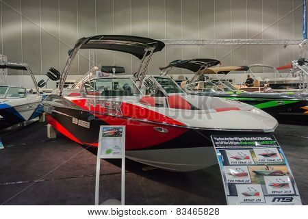 Raptor Indmar B52 23 Boat On Display
