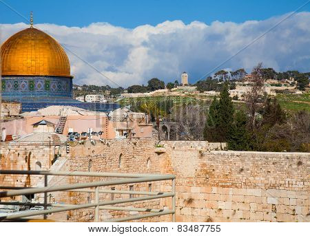 Dome Of The Rock And Temple Mount With Snow