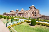 picture of champa  - Jahaz Mahal  - JPG