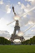 foto of meteorite  - Meteorite shower destroying the Eiffel Tower in Paris - JPG