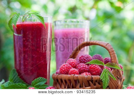 Raspberry smoothie and milkshake