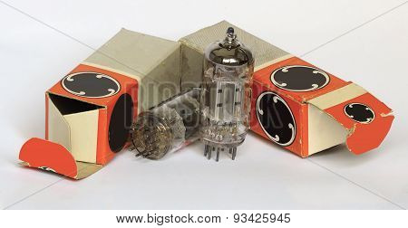 Vacuum tubes with cartons