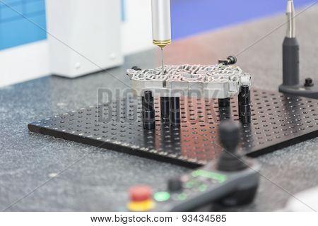 Operator Inspection Automotive Parts By Cmm