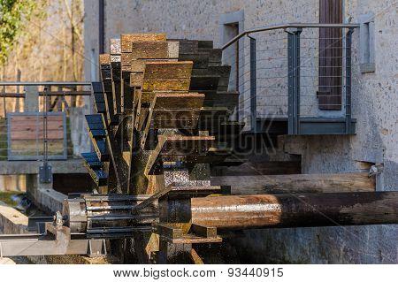 Mill,shovel