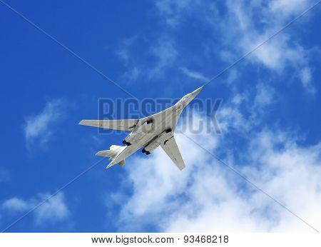 Long-range Bomber Tu-160