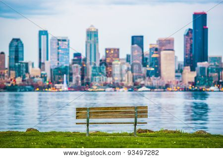 Seattle Vista Bench
