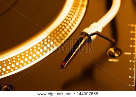 turntable headshell and platter dots, golden tone