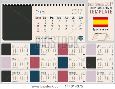 Useful desk triangle calendar 2017 template, ready for printing. Size: 220mm x 100mm. Format horizontal. Spanish version