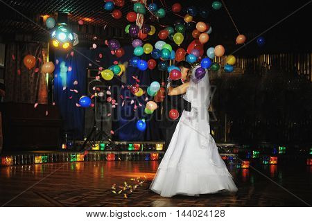 Wedding Dance With Night Light And Balloons
